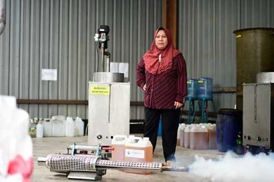 Dr. Wan Asma Ibrahim, of Forest Research Institute Malaysia (FRIM)